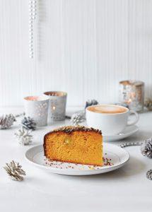 Cafe-Zest-Xmas17Cake-latte